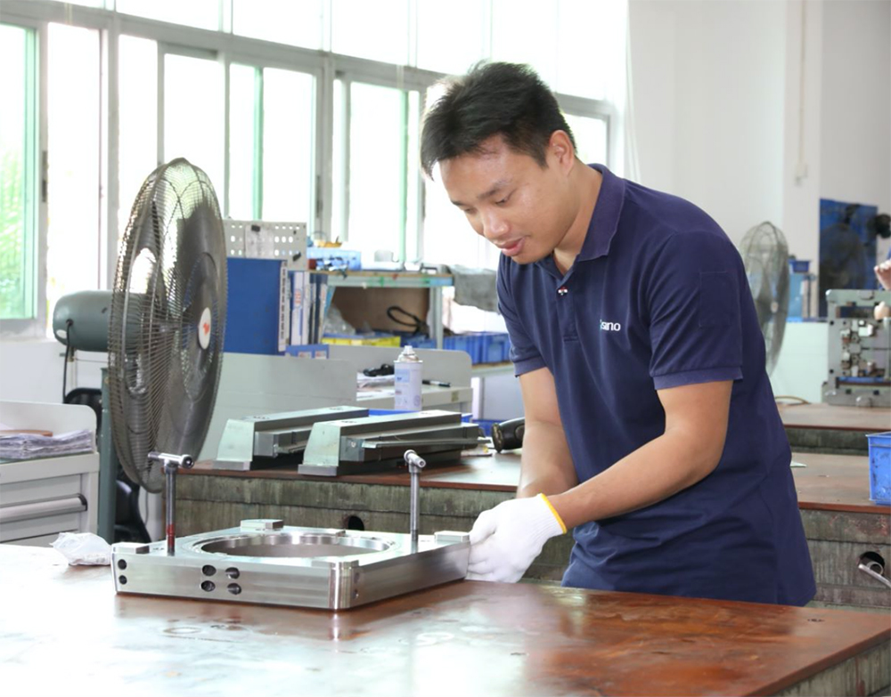 Skilled Chinese labour